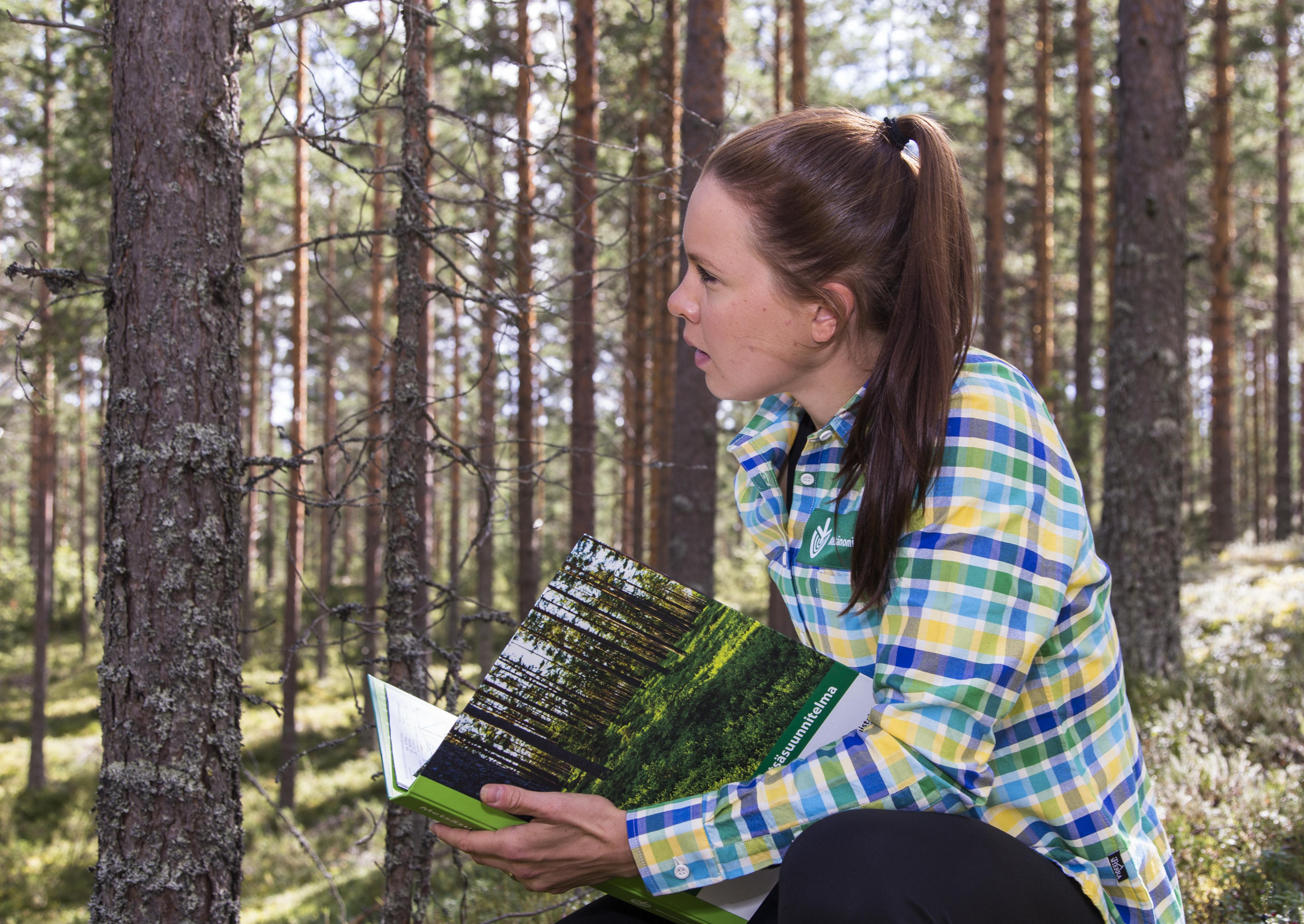 kerttu metsäkansio sivu-5761