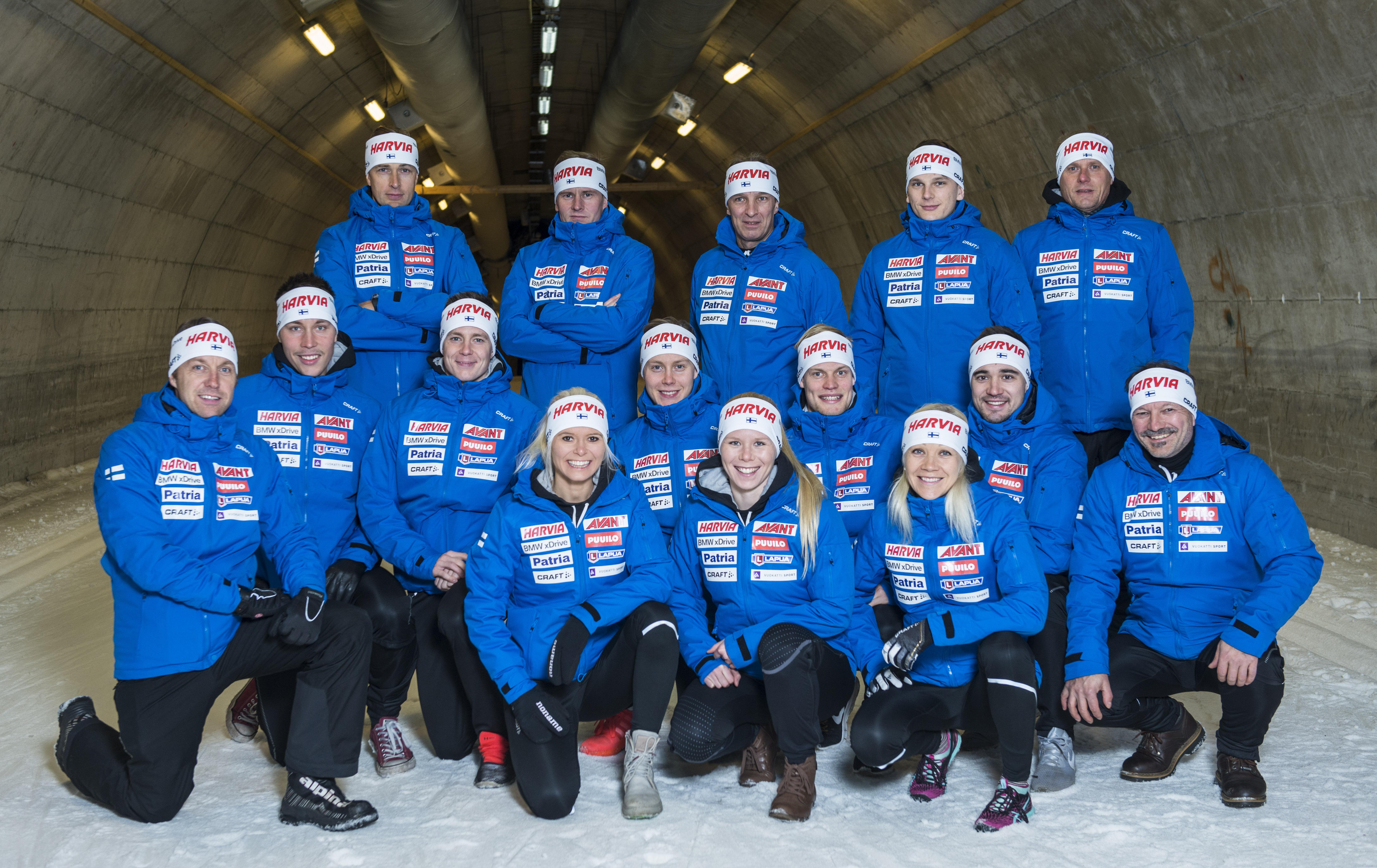ryhmäkuva hiihtotunneli-0359